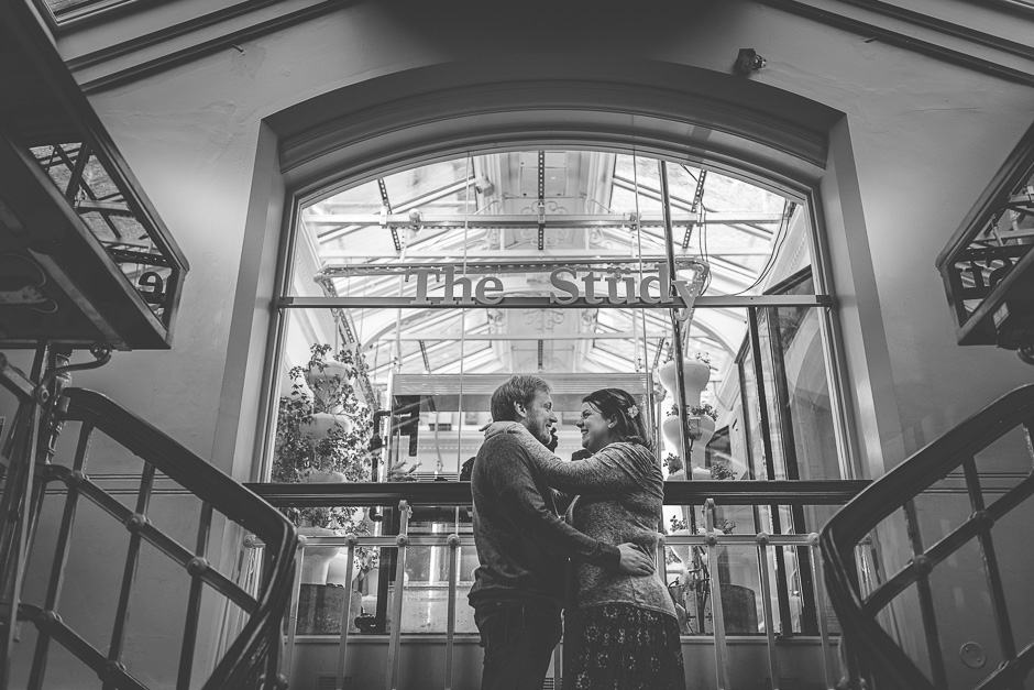 couple hugging in manchester museum