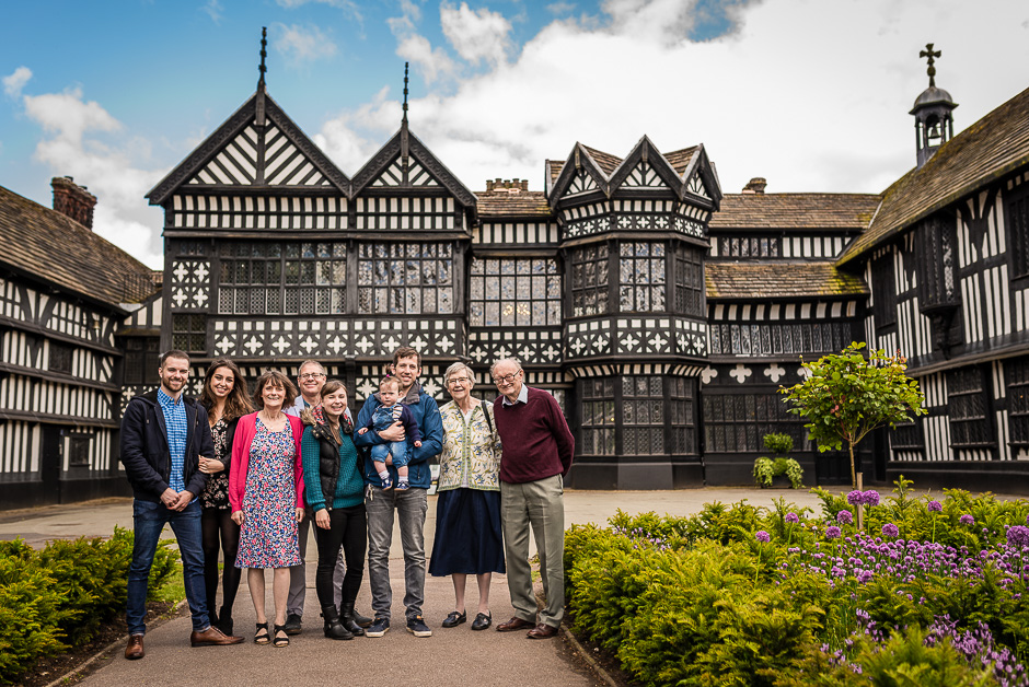 Bramhall Park Family Lifestyle Photo Shoot